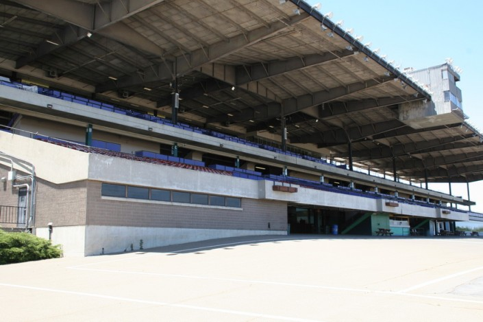 Sacramento Mile Grandstand Overview from trackside
